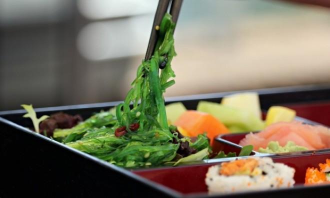 DIETA japoneză. Slăbește un kilogram pe zi făcând asta