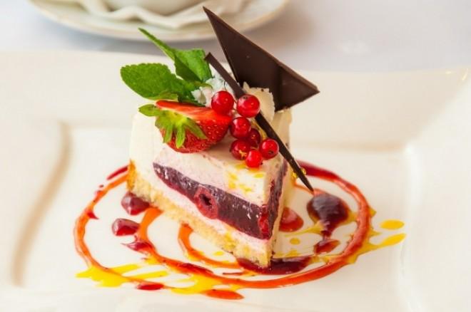 Ce se întâmplă în organism atunci când avem poftă de dulce? Iată ce îți transmite organismul