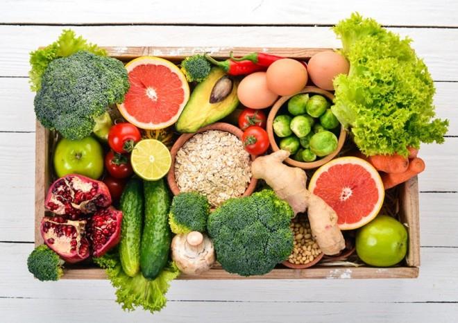 """Fructele şi legumele care îngraşă cel mai mult. Celebrul medic Andrei Haidar avertizează: """"Ele sunt interzise la dietă"""""""