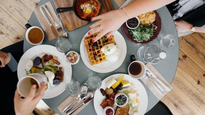 Ce alimente trebuie sa consumăm pentru a fi sănătoşi şi fericiţi