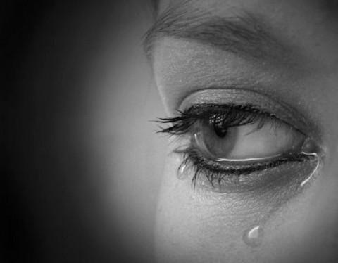 De ce plâng oamenii? Află ce se întâmplă în corpul nostru în acele momente