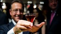 Cel mai SCUMP COCKTAIL din lume. Ce conţine băutura care costă 11.500 de euro
