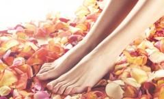 Tratament NATURAL pentru a scăpa de mirosul neplăcut de picioare