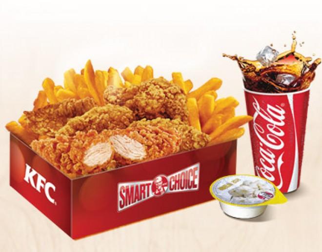 """Nu te-ai fi aşteptat! Uite cum sunt preparate celebrele """"Crispy Strips"""" de la KFC FOTO"""