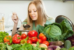 Dieta cu supă de varză roşie. Slăbeşti până la 4 kilograme în doar 7 zile