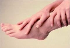De ce îţi amorţesc mâinile şi picioarele