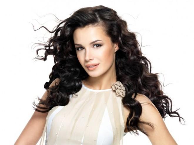 Metode INEDITE de a-ți ondula părul