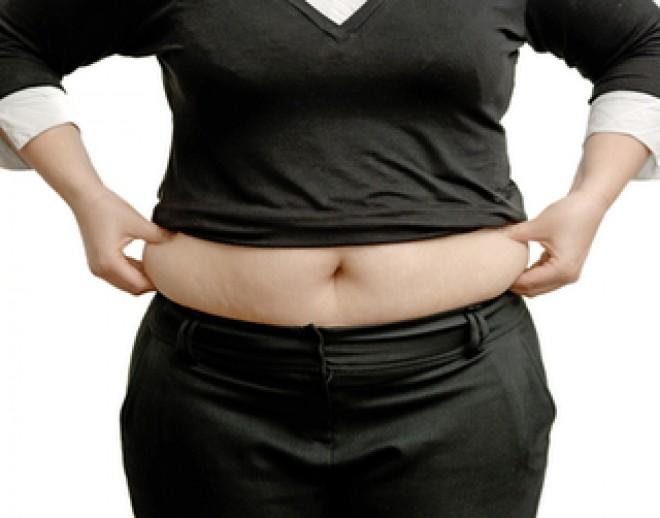 Zece trucuri vestimentare pentru a ascunde kilogramele în plus! Rezultatele sunt uimitoare