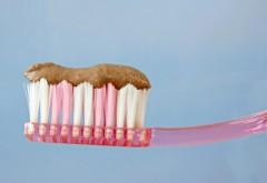Cum preparăm acasă pastă de dinți naturală. Este atât de simplu