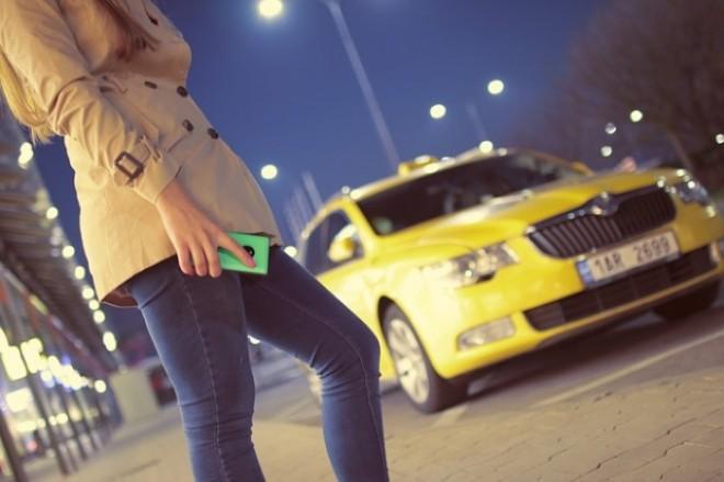 Codul Bunelor Maniere: De ce bărbatul trebuie să intre primul într-un taxi