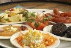 Ce trebuie să mănânci pe caniculă: Lista completă cu alimente recomandată de specialiști