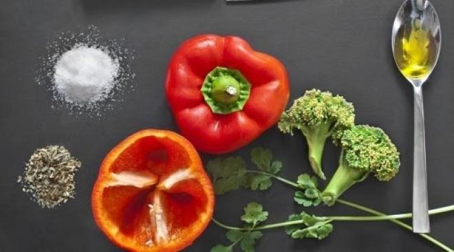 Alimentele pe care este bine să le consumi crude