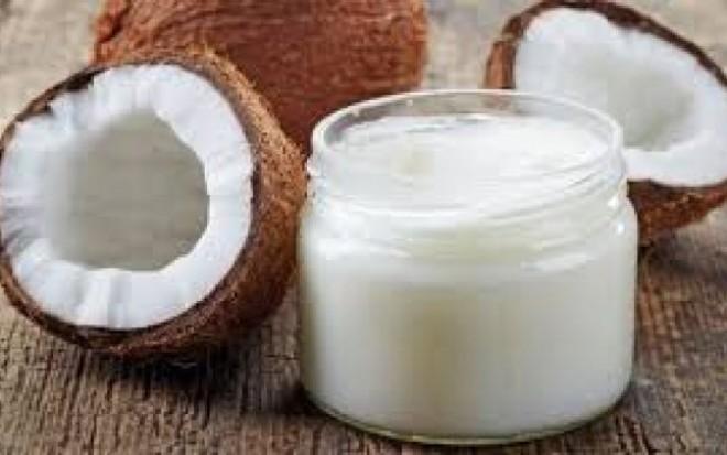 """Uleiul de cocos este """"otravă pură"""", avertizează un profesor de la Harvard"""
