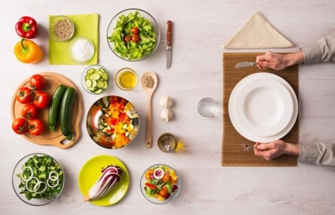 Alimentele vor deveni tot MAI PUȚIN HRĂNITOARE, avertizează specialiștii. De ce și cine va fi cel mai afectat?