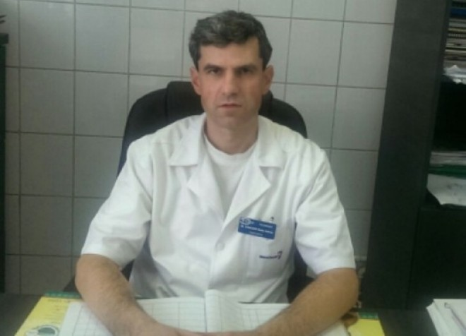 """Dr. Radu Craciun (hematologie) raspunde intrebatorilor cititorilor: """"Baiatul meu are o umflatura in zona gatului"""""""