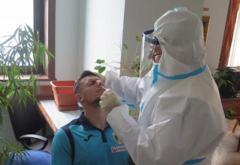 Fotbaliștii Petrolului au ieșit pozitiv la ambele teste!