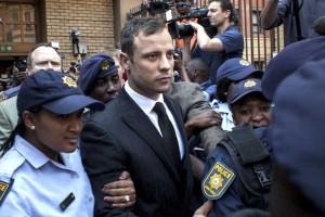 Oscar Pistorius, declarat în apel vinovat de omor, riscă o condamnare la cel puţin 15 ani de închisoare!