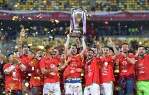 CFR Cluj a câştigat Cupa României la fotbal. Mircea Rednic: Îmi pare rău că nu am putut să îi oferim noi Cupa lui Patrick Ekeng