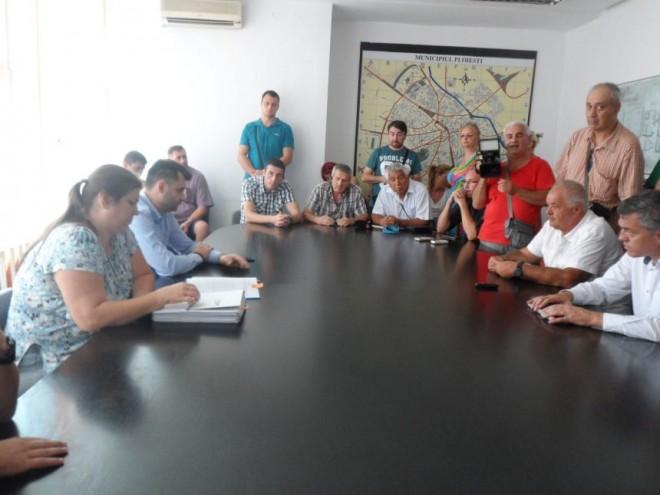 Antrenorii şi sportivii de la CSM Ploieşti, puşi din nou să aştepte!