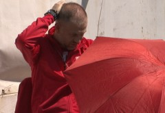 Iordănescu vrea șezlong, umbrelă și un coctail