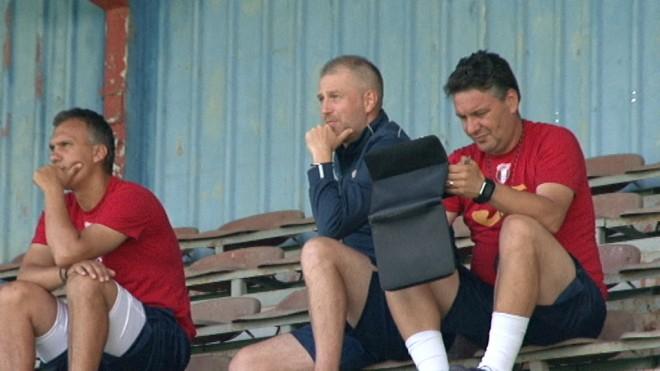 Iordănescu are dureri de cap la munte