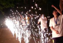 Titlul luminat de artificii tricolore!(Galerie foto)