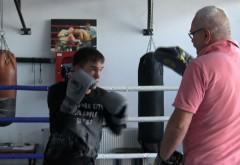 Un boxer ploiestean va lupta pentru titlul mondial!