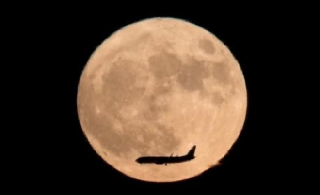 Moment ISTORIC: China a ajuns în premieră pe partea ascunsă a Lunii