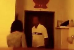 VIDEO Și-a lăsat, din greșeală, camera telefonului pornită, iar ce a văzut după l-a lăsat fără cuvinte!