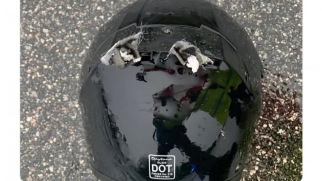 Un motociclist a fost ucis de fulger în Florida. Polițiștii au publicat o poza cu casca bărbatului