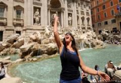 Roma impune reguli drastice pentru turiștii prost-crescuți