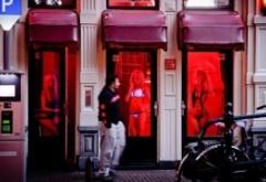 Dispar prostituatele din vitrinele Amsterdamului: noul primar femeie a anunțat o revoluție