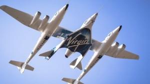 Sute de oameni au plătit peste 200.000 de dolari pentru un zbor spațial