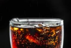 A fost la un pas de moarte, după ce a luat o gură dintr-o băutură pe care o consumăm cu toții