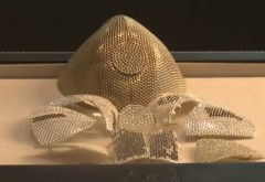 Masca de protecție care costă 1,5 milioane de dolari. De ce este atât de scumpă