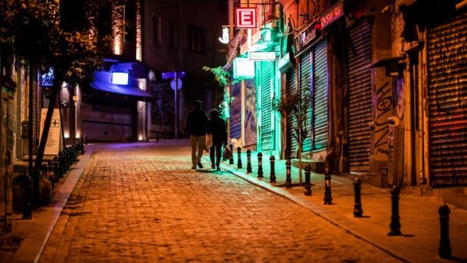 Turcii nu mai au voie sa iasă din casă DELOC, în weekend