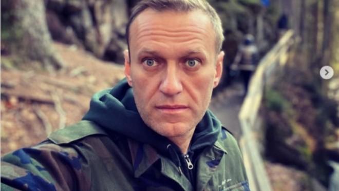 """Navalnîi critică Twitter după ce a șters contul lui Trump: """"Eu primesc zilnic amenințări cu moartea și Twitter nu a blocat pe nimeni"""""""