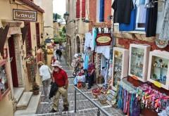 Grecia redeschide magazinele în pofida deceselor şi contaminărilor numeroase