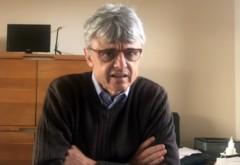 """Un virolog care a lucrat pentru Bill Gates avertizează că vaccinarea în masă ar putea fi """"o catastrofă pentru omenire"""""""