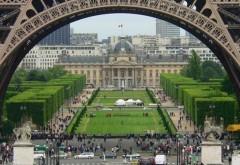"""Franța ridică restricțiile: """"Am depăşit vârful"""""""