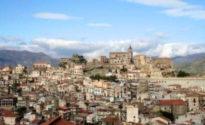 Case la doar 1 euro, aproape de mare, în sudul Italiei - Un primar vrea să revitalizeze o zonă turistică de vis