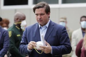 Guvernatorul statului american Florida, Ron DeSantis, suspendă hotărârile de urgență pandemice locale și interzice pașapoartele de vaccinare