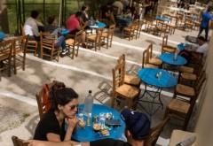 Zone exclusive pentru persoanele vaccinate anti COVID la barurile și restaurantele din Grecia