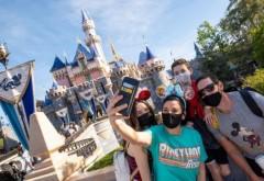 """Disney schimbă mesajul de întâmpinare: """"Bună seara, băieţi şi fete"""". Aceștia vor să țină cont de al treilea gen"""