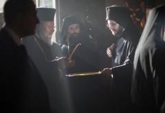 Mai mulți preoți greci ortodocși de pe insula Creta refuză să împărtășească credincioșii care au fost vaccinați
