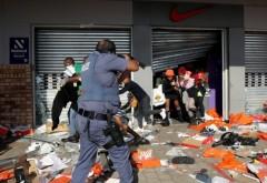 Cel putin 45 de morti in revoltele din Africa de Sud. Tara este zguduita de jafuri si violente fara precedent de la eliminarea apartheidului