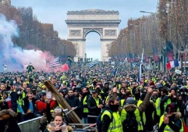 """""""Nu vaccinării obligatorii, nu suntem cobai"""". Proteste masive in Franta si Grecia impotruva vaccinarii obligatorii"""