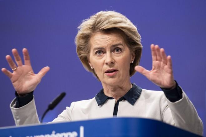 Interesele secrete pentru care Ursula von der Leyen vrea să vaccineze toată Europa de 3 ori