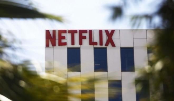Netflix își obligă actorii să se vaccineze pentru a mai putea încheia colaborări în cazul următoarelor producții