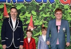 Elton John și David Furnish, într-o rară apariție alături de cei doi copii, Zachary și Elijah